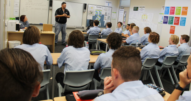 Master Plumbers Souther Australia Field Officer Steven Prisk speaks with Year 11 Plumbing students about their career options.  27/2/18